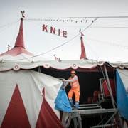 Der Circus Knie beim Aufbau in St.Gallen: Zum 100. Geburtstag soll es ein neues Zelt geben. (Archivbild: Ralph Ribi)