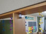 Mit kleinen Dosimetern kann die Radonkonzentration gemessen werden. (Bild: PD)