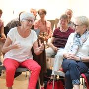 Angeregt diskutierten die Teilnehmer des Stadtgesprächs über einen Seniorentreff. (Bild: Barbara Hettich)