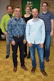 Von links: Beni Stillhart (Rücktritt Schiedsrichter-Obmann), Adrian Stillhart (neuer Präsident), Franziska Graf (neue Schiedsrichter-Obfrau), Beda Suter (alter Präsident), und Christoph Ziegler (Ehrenmitglied). (Bild: Beat Lanzendorfer)