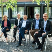 Der neu zusammengesetzte Horwer Gemeinderat (von links): Hans-Ruedi Jung (CVP), Claudia Röösli (L20), Gemeindeschreiber Beat Gähwiler, Ruedi Burkard (FDP), Jörg Stalder (L20) und Thomas Zemp (CVP). (Bild: PD/Gemeinde Horw)
