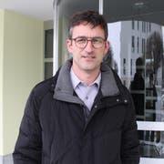 Bruno Gamma beim Eingang des Gemeindehauses: Hier geht der neue Gemeindepräsident seit dem 1. Januar 2019 öfters ein und aus. (Bild: Markus Zwyssig, Schattdorf, 9. Januar 2019)