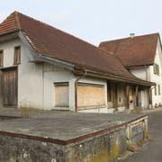 Der Bahnhof Bernrain: Für das alte Gebäude wird seit langem eine Nutzung gesucht. (Bild: Urs Brüschweiler)
