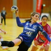 LK Zug - Spono EaglesIm Bild: Die Zugerin Martina Pavic am Ball.-------(Bild: Stefan Kaiser (Zug, 17. November 2018))