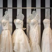 Die Brautkleider bleiben ein Blickfang. (Bild: Michel Canonica)