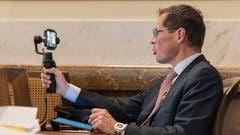 Rang 1 auf der Liste der Schwänzer: Roger Köppel verpasste in der laufenden Legislatur 22,42 Prozent der Abstimmungen. (Bild: Keystone)