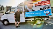 Norbert Mayer (AfD) vor seinem Wahlkampf-Mobil. (Bild: Rudi-Renoir Appoldt)
