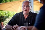 Norbert Mayer im Café Positano. (Bild: Rudi-Renoir Appoldt)