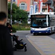 In einem Bus der Linie 1 kam es zu einer Rauchentwicklung im Motorenraum. (Symbolbild: Stefan Kaiser (Oberägeri, 18 Juni 2018))