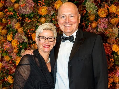 Unter die Gäste mischte sich auch der Stanserhornbahn-Direktor Jürg Balsiger mit seiner Frau Erika. (Bild: Philipp Schmidli, 28. September 2018)