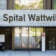 Kommt nicht aus den Schlagzeilen: Das Spital Wattwil. (Bild: Mareycke Frehner)