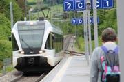 Dem Zug entstiegen 2018 in Mogelsberg mehr Leute als noch im Vorjahr. (Bild: Martin Knoepfel)