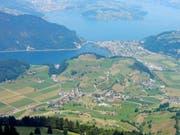 Blick vom Fuss des Stanserhorns auf Ennetmoos und Alpnachersee. Bild Markus von Rotz