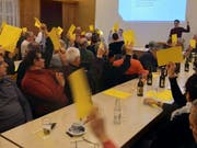 Die Wahlen für den Verein Komitee für echte flankierende Massnahmen («Keflam») gingen speditiv und ohne Gegenstimmen über die Bühne. (Bild: Anina Rütsche)