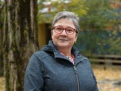 Susanne Jenne, Teamleiterin Aktivierung hat das Strickprojekt in der Residenz Am Schärme geleitet. Bild: Corinne Glanzmann (Sarnen, 30. Oktober 2018)
