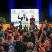 Die Ostschweiz will mit FDP-Ständerätin Karin Keller-Sutter den Einzug in den Bundesrat schaffen. Im Bild die Nominationsversammlung vom 20. Oktober in Wil. (Bild: Key/Eddy Risch (Wil, 20. Oktober 2018))