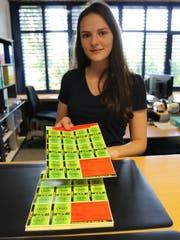 Die Gebührenmarken sind im Gemeindebüro Rickenbach nur als ganzer Bogen erhältlich. Bild: Hans Suter