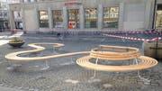 Die neue Sitzbank auf dem Marktplatz. (Bild: Reto Voneschen - 2. April 2019)