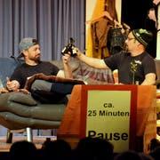 Die Laienschauspieler sorgten für zahlreiche Lacher: Zum siebten Mal fand der Wallenwiler Theaterabend statt. (Bild: Christoph Heer)