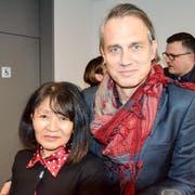 Tibet-Aktivistin Tseten Zöchbauer mit dem deutschen Schauspieler Ralf Bauer. (Bilder: Christoph Heer)
