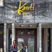 Nach der Kantonsschule wird im Gebäude an der Näppisuelistrasse vorübergehend das BWZT einziehen. (Bild: Michel Canonica)