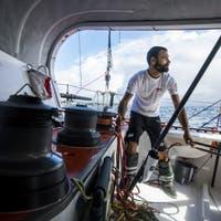 Der Genfer Solo-Segler Alan Roura kreuzt den Äquator und fürchtet einen Antizyklon