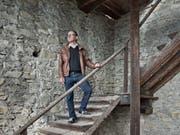 Der Kantonsarchäologe Jürg Manser gewährte der Luzerner Zeitung vor vier Jahren einen exklusiven Blick in den Luegislandturm. (Bild: Pius Amrein, 10. September 2015)