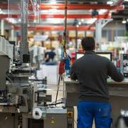 Die Produktion des Kabelherstellers Komax. (Bild: Dominik Wunderli, 14. März 2019, Dierikon)