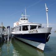 Die MS Säntis der SBS im Hafen von Romanshorn. (Bild: Nana do Carmo, 26. Mai 2015)