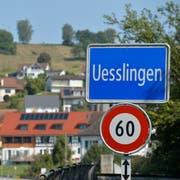 Blick von der Südseite der Thur auf das Dorf Uesslingen. (Bild: Donato Caspari)