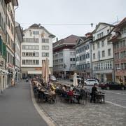 Die Luzerner Altstadt - im Bild der Mühleplatz - ist autofrei und darf nur mit einer Ausnahmebewilligung befahren werden. (Bild: Dominik Wunderli, Luzern 02.11.2017)