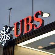 UBS senkt auf den 1. Juni den Zins auf dem gewöhnlichen Sparkonto für Erwachsene auf 0,00 Prozent. (Bild: Key/Melanie Duchene)