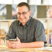 Peter Dransfeld in seinem Büro. (Bild: Donato Caspari)
