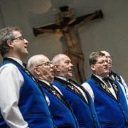 Mitglieder des Jodlerchörli Oberkirch anlässlich der Trachtenweihe. (Bild: Pius Amrein (Oberkirch, 22. Mai 2016))