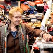 Das Ende einer Ära - Milena Kosorok schliesst ihren Stoffladen in Romanshorn. (Bild: Donato Caspari)