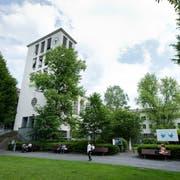 Die Lukaskirche mit Saal und Verwaltungsgebäude beim Vögeligärtli. (Bild: Dominik Wunderli, Luzern, 3. Juni 2014)