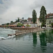 Das Reusswehr ist einer der Orte, den die Münchner Delegation in der Stadt Luzern besuchte. (Bild: Pius Amrein, Luzern, 14. August 2015)