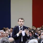 Emmanuel Macron an einer Debatte im südfranzösischen Souillac. (Bild: Ludovic Marin/EPA (18. Januar 2019))