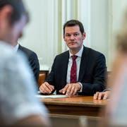Pierre Maudet bei der Medienkonferenz des Genfer Regierungsrates vom 13. September, als er das Regierungspräsidium vorübergehend abgeben musste. (Bild: Martial Trezzin, Keystone)