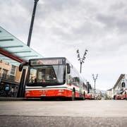 Stadtbusse am Frauenfelder Bahnhof. (Bild: Andrea Stalder)