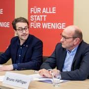 SP-Kantonsrat Jörg Meyer, SP-Präsident David Roth und Anwalt Bruno Häfliger haben am Samstag über das Urteil informiert. (Bild: Nadia Schärli (Luzern, 26. Januar 2019)
