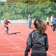 Es bleibt vorerst bei vier Stunden Sport pro Woche für Stadtluzerner Schulkinder. (Bild: Roger Grütter)