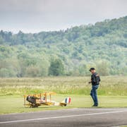 Zivile Nutzungen der Grossen Allmend, wie das Modellflugzeug-Oldtimertreffen, sollen auch unter dem neuen Sachplan für den Waffenplatz zugesichert bleiben, schreibt der Thurgauer Regierungsrat. (Bild: Andrea Stalder, 18. Mai 2019)
