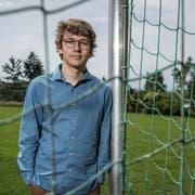 Emanuel Schüpfers Leidenschaft für Fussball inspirierte ihn zu seiner Maturaarbeit. (Bild: Pius Amrein, Luzern, 14. Juni 2019)
