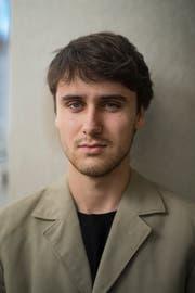 Ryan Bains ist Modedesigner und Gründer vom Label Schattenspiel. (Bild: Benjamin Manser)