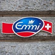 ARCHIVBILD ZU DEN HALBJAHRESZAHLEN BEI EMMI --- Logo am Hauptsitz von Emmi in Luzern, aufgenommen am 31. Maerz 2010. (KEYSTONE/Gaetan Bally)