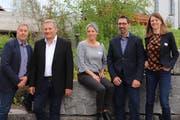 Der Vorstand des Gewerbevereins Jonschwil-Schwarzenbach will die Chilbi unterstützen: Jörg Kurmann, Präsident Guido Langenegger, Rahel Fässler, Klaus Broger, Brigitte Sutter (von links). (Bild: Dinah Hauser)