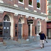 Die Pforten der Faneuil Hall in Boston, einem der ältesten Gebäude der Stadt im US-Bundesstaat Massachusetts, bleiben vorerst geschlossen. (Bild: PA/CJ GUNTHER (Boston, 24. Dezember 2018))