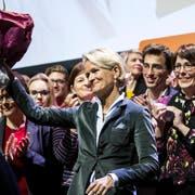 Nationalrätin Andrea Gmür freut sich. (Bild: KEYSTONE/Alexandra Wey)