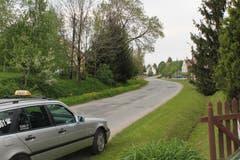 Ankunft in Brodziszów. Die kleine Gemeinde hiess bis 1945 Dittmannsdorf und ist der alte Heimatort Manfred Welzels.